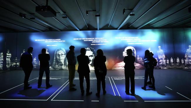 Stimmen der Gegenwart im Zukunftsraum. © TAMSCHICK MEDIA+SPACE